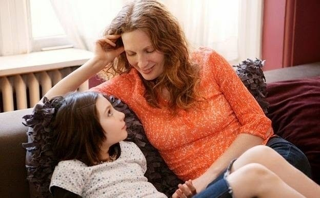 1090-mother-and-daughter-talking-on-couch-1321227.jpg
