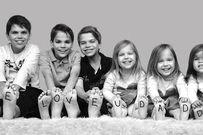 Bộ ảnh 6 anh chị em xinh như thiên thần