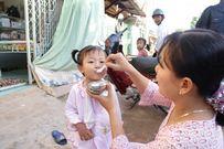 Cảnh báo các mẹ, càng cho trẻ đi ăn rong trẻ càng biếng ăn, dễ sinh bệnh