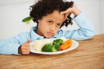 Chỉ ra 4 lý do cha mẹ không nên treo thưởng cho bữa ăn của trẻ