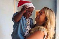 Cảm phục tình yêu thương bất diệt cô gái 25 tuổi dành cho một đứa trẻ mồ côi