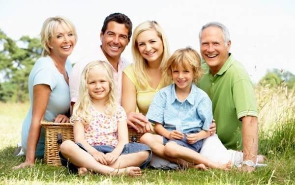 13575-happyfamily2.jpg