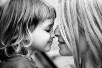 10 điều mẹ có con gái nhất định phải thuộc lòng để giúp con tự lập và bảo vệ mình