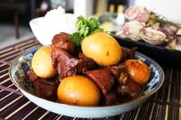 Cách nấu thịt kho tàu đậm đà hương vị cho bữa cơm gia đình thêm ấm cúng