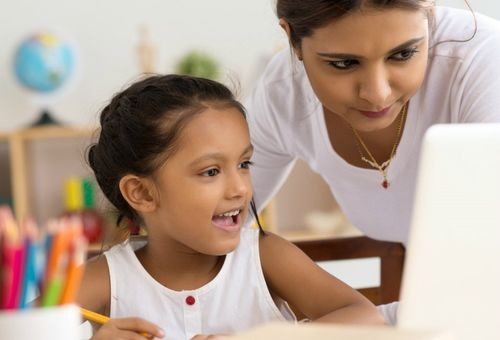 Tâm lý trẻ 9 tuổi và những cột mốc phát triển cha mẹ cần biết