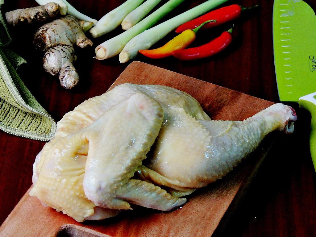 chuẩn bị nguyên liệu gà