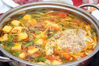Cách nấu lẩu cua thơm ngon dân dã bổ sung nhiều chất đạm cho bé