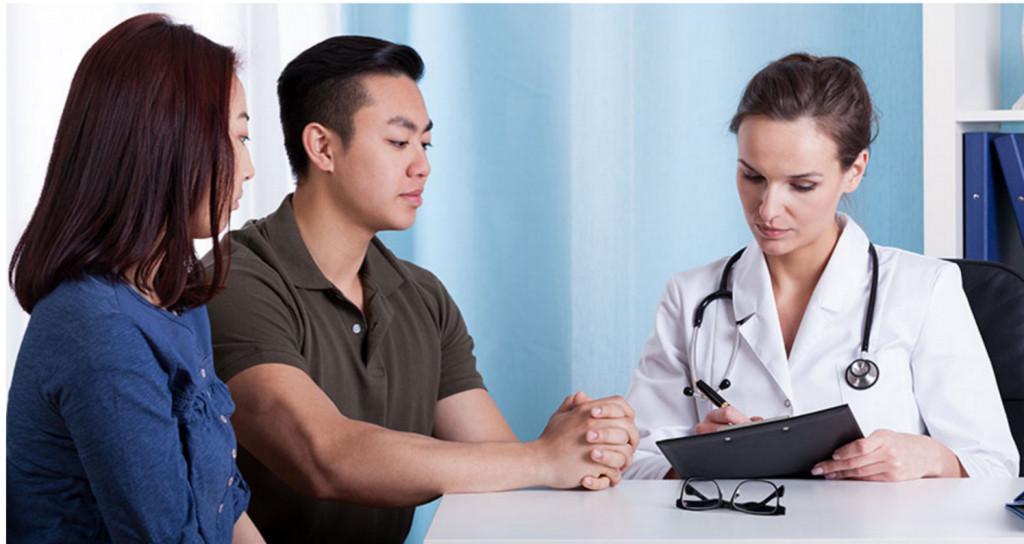đi khám sức khỏe trước khi mang thai
