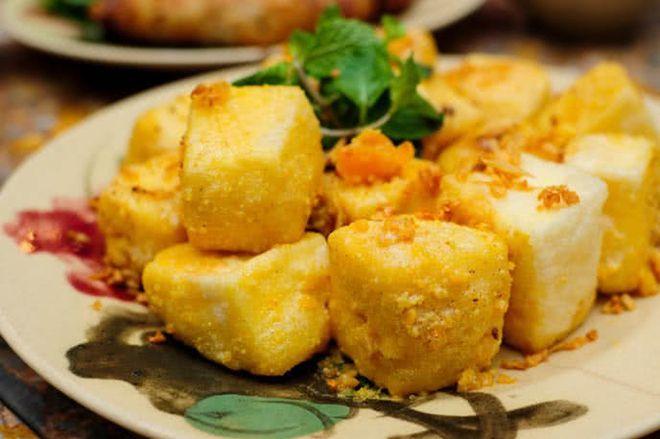 món đậu chiên với trứng muối