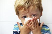 Trẻ bị ho sổ mũi có nên đi chích ngừa, trường hợp nào không nên cho trẻ đi?