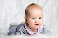 Các giai đoạn phát triển của trẻ sơ sinh mẹ cần biết để chăm con tốt