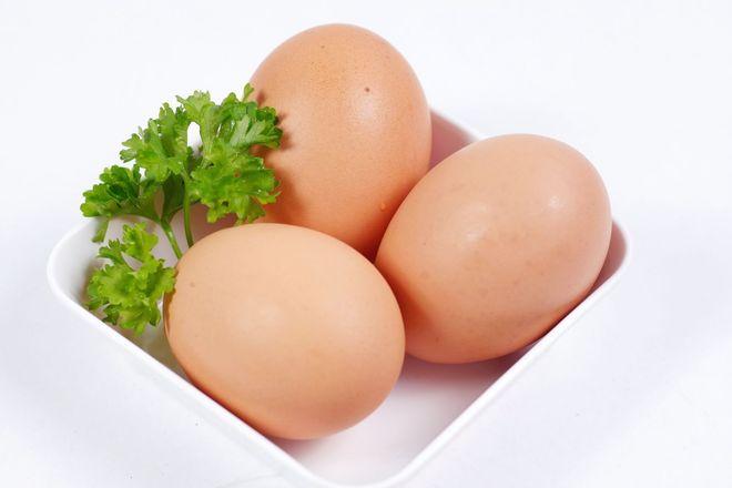 Trứng gà mới