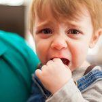 Tại sao bé đi nhà trẻ về quấy khóc - tìm nguyên nhân và cách xử trí dành cho mẹ