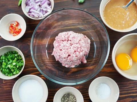 sơ chế thịt và rau củ