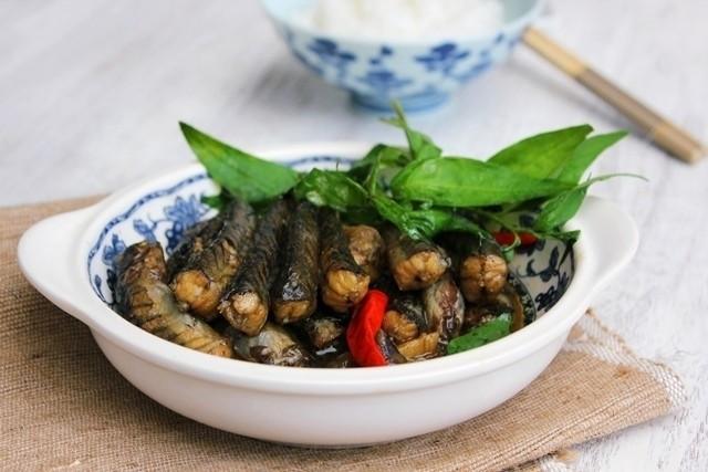 ngon cơm hơn với món cá kèo kho rau răm