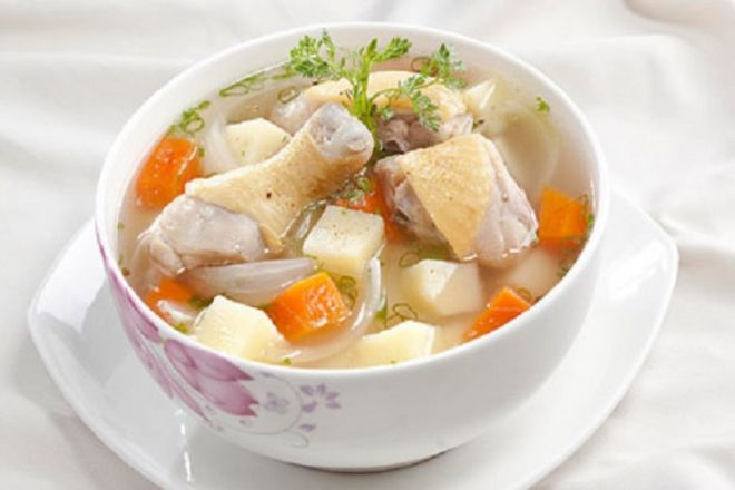 canh gà hầm khoai tây