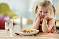 Trẻ biếng ăn - nguyên nhân và hướng khắc phục mẹ nên biết