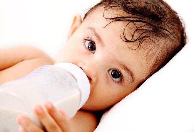 bé hay bị ọc sữa