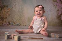 Bé gái 10 tháng tuổi chưa mọc răng do đâu?