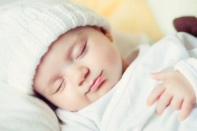 bé ngủ sau ăn