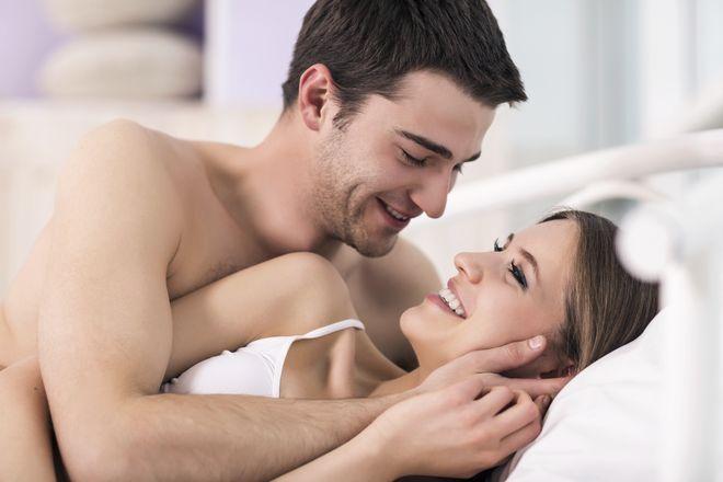 Ham muốn tình dục cao là biểu hiện rụng trứng chị em có thể cảm nhận được