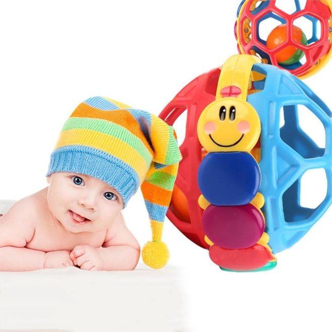 bé và đồ chơi