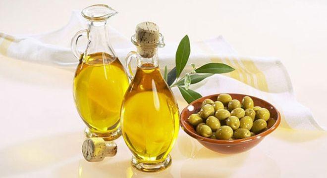 đừng sử dụng chất bôi trơn hóa học mà hãy dùng chất bôi trơn tự nhiên như dầu oliu