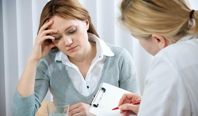 Nếu bạn trên 35 tuổi mà vẫn khó có con thì nên đi khám bác sĩ càng sớm càng tốt.