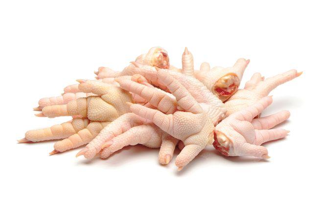 rửa sạch chân gà