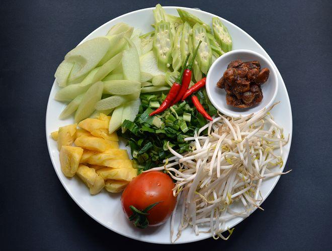 nguyên liệu canh chua cá
