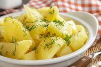 Hướng dẫn cách luộc khoai tây mềm mịn nóng hổi nhâm nhi ngày mưa