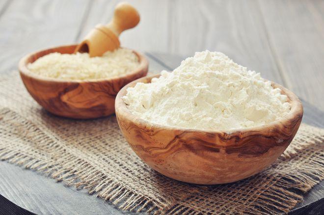 bột cám gạo làm bằng tay
