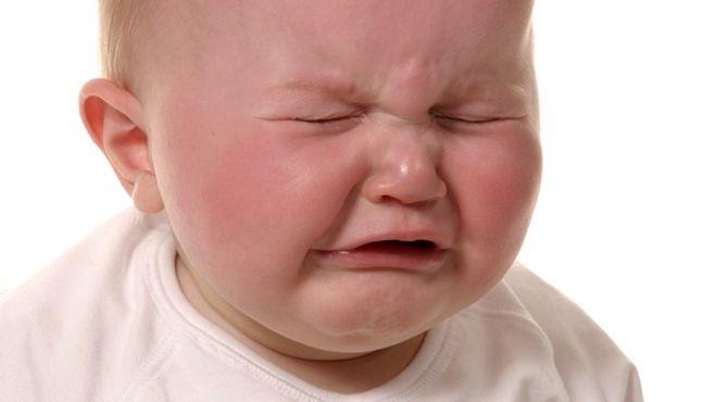bé khóc đói