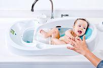 Có nên tắm cho trẻ sơ sinh hàng ngày không?