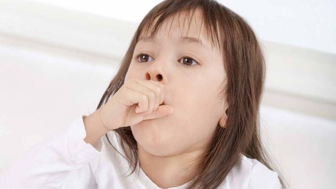 Trẻ bị viêm đường hô hấp trên thường có dấu hiệu ho