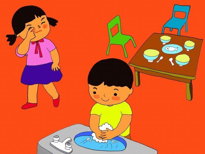 trẻ phụ mẹ dọn cơm