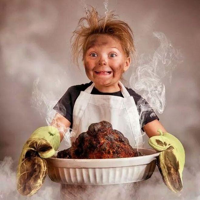 nấu ăn cùng con cũng là cách tiết kiệm