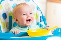 Cách tập cho trẻ 12 tháng tuổi ăn cơm như thế nào?
