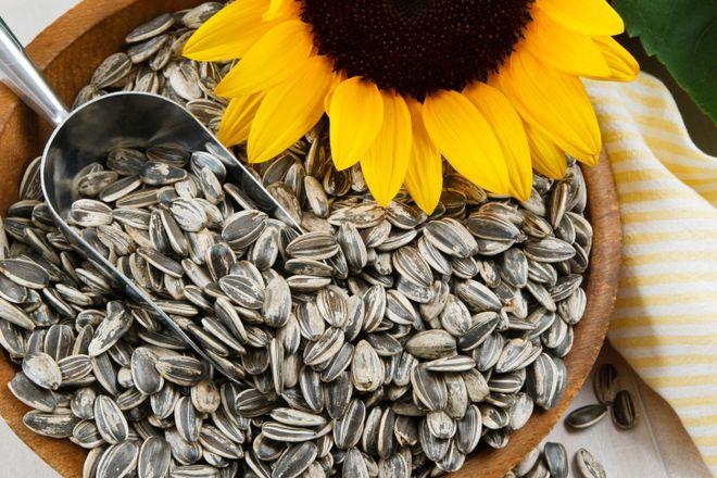 Hạt hướng dương là nguồn tuyệt vời của vitamin E