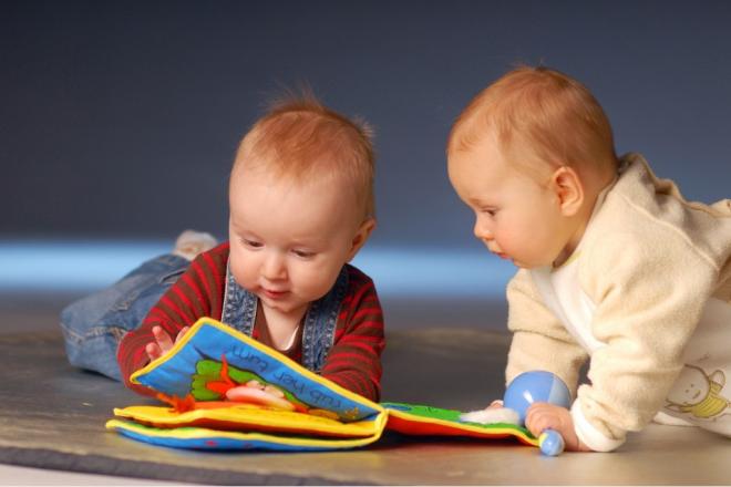 cho trẻ ôn tập để tập nói dễ dàng