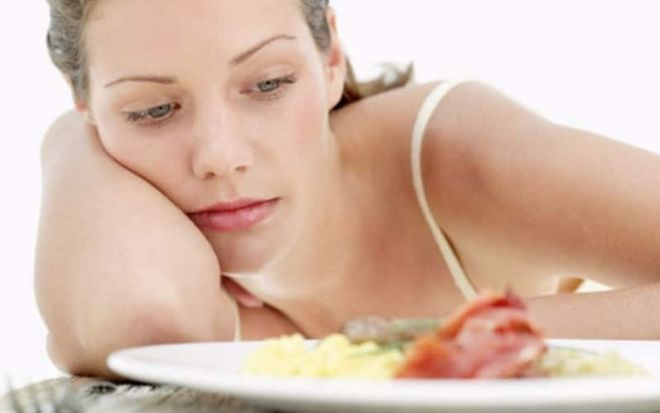 ăn uống thiếu dưỡng chất, hoặc nhịn đói, giảm cân sẽ làm chậm ngày rụng trứng