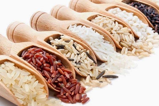 Chọn gạo nguyên liệu