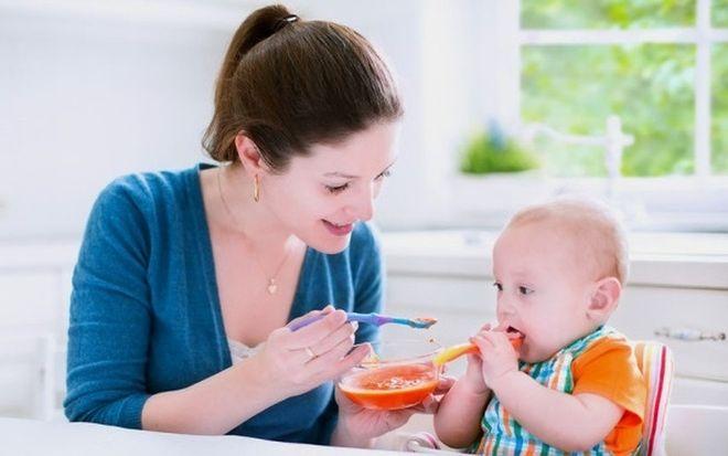 bổ sung dinh dưỡng cho bé bị đi ngoài