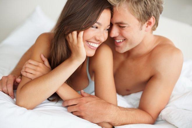 """Các cặp đôi cần chú ý đến tư thế """"yêu"""", thời điểm """"yêu"""" và nên """"yêu"""" thường xuyên để tăng cơ hội thụ thai."""