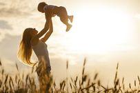 Mẹ đơn thân là gì mà nhiều phụ nữ đang lựa chọn?