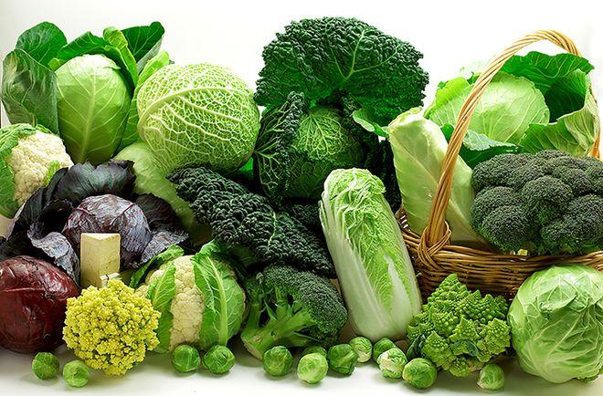 Các loại rau lá xanh đậm rất giàu Canxi, Magie, Folate giúp phục hồi buồng trứng