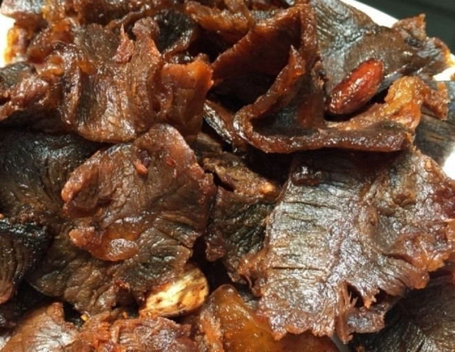 thịt bò ướt