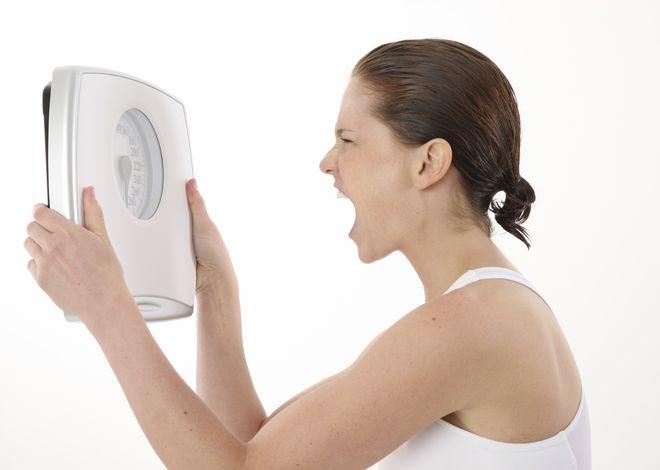 cân nặng mất kiểm soát cũng do rối loạn chu kì rụng trứng gây ra