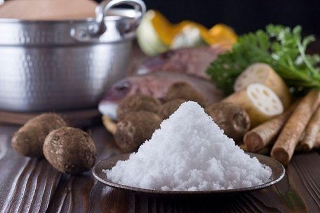bổ sung thực phẩm nhiều muối trong thời điểm rụng trứng để giúp sinh con trai.