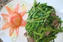 Cách làm rau muống xào thịt bò hấp dẫn cho bữa ăn gia đình